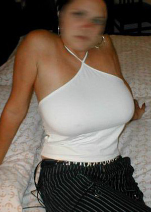 Sexy mom amateur displays her mega boobs