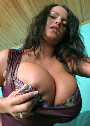 Hot mom and her sexy mega boobs